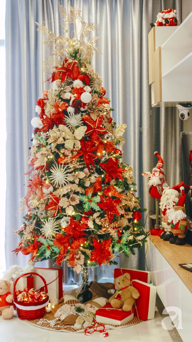 Căn hộ được trang trí Noel đẹp lung linh, món quà của người mẹ tặng con gái ở Q7, Sài Gòn - Ảnh 2.