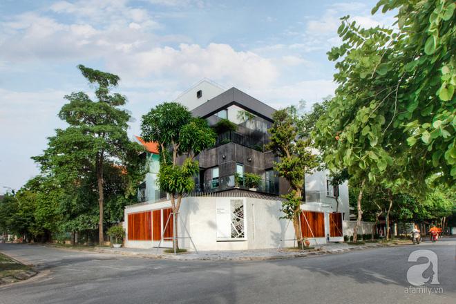 Căn biệt thự 110m² vừa xanh, vừa sang khiến nhiều người mơ ước ở Yên Hòa, Hà Nội - Ảnh 1.
