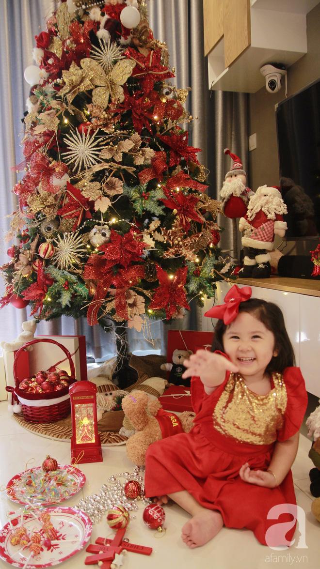 Căn hộ được trang trí Noel đẹp lung linh, món quà của người mẹ tặng con gái ở Q7, Sài Gòn - Ảnh 21.