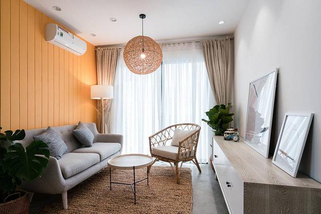 """Sài Gòn: Căn hộ đẹp hài hòa với hai màu trắng – vàng của cô nàng 9x """"phải lòng"""" phong cách tối giản - Ảnh 2."""