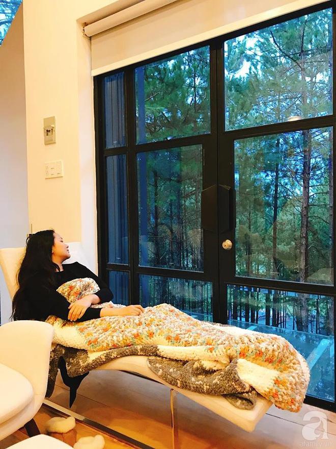 Biệt thự đẹp lãng mạn trên đồi thông ở Đà Lạt trị giá 25 tỷ đồng của siêu mẫu Phan Như Thảo và chồng đại gia - Ảnh 15.