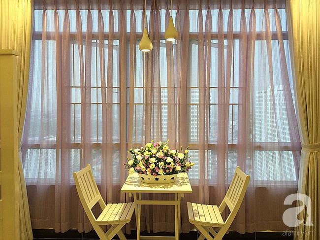 Ghé thăm căn hộ đẹp bình yên, trong trẻo đến lạ thường của người phụ nữ yêu hoa ở TP HCM - Ảnh 8.