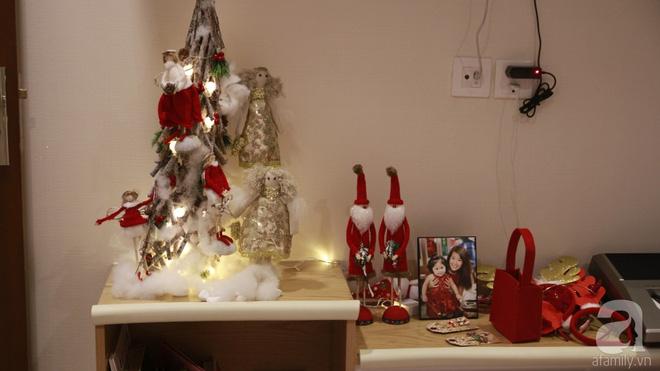 Căn hộ được trang trí Noel đẹp lung linh, món quà của người mẹ tặng con gái ở Q7, Sài Gòn - Ảnh 13.