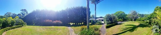 Choáng ngợp trước ngôi nhà vườn xanh mát bóng cây, rộng 7600m² của cô dâu Việt tại New Zealand - Ảnh 5.