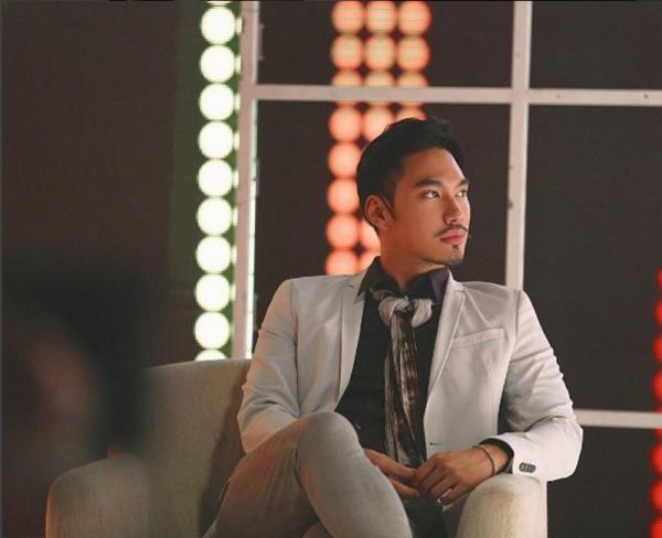 Ngắm hai căn hộ xa hoa bậc nhất showbiz Việt của nhà thiết kế Lý Quí Khánh - Ảnh 1.