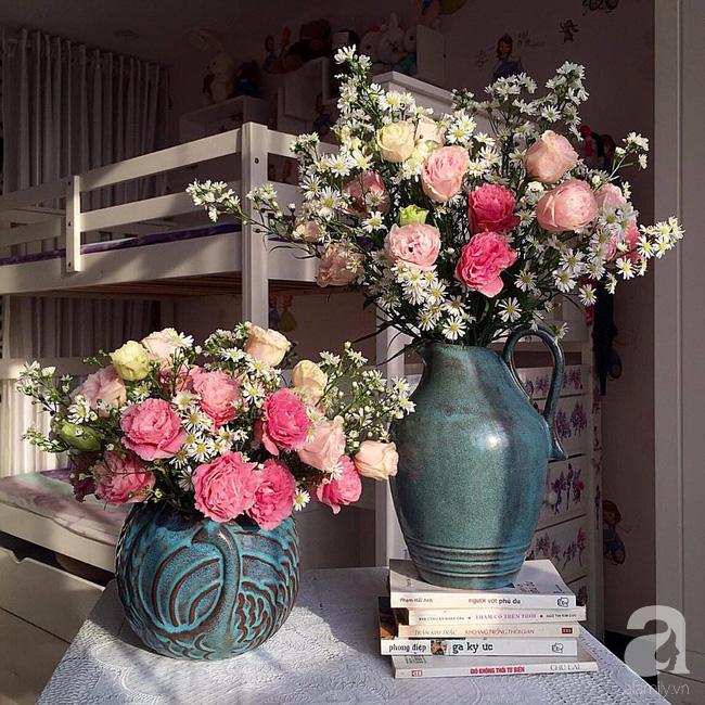 Ghé thăm căn hộ đẹp bình yên, trong trẻo đến lạ thường của người phụ nữ yêu hoa ở TP HCM - Ảnh 11.