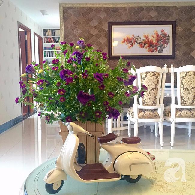 Ghé thăm căn hộ đẹp bình yên, trong trẻo đến lạ thường của người phụ nữ yêu hoa ở TP HCM - Ảnh 15.