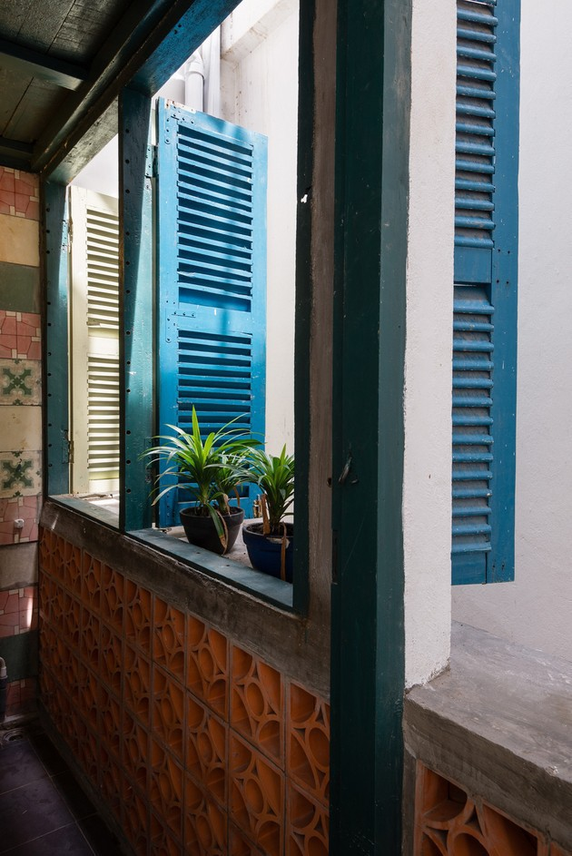 Ngôi nhà ống hơn 50 năm dầm mưa dãi nắng nay lột xác đẹp đến ngỡ ngàng ở quận 3, Sài Gòn - Ảnh 14.