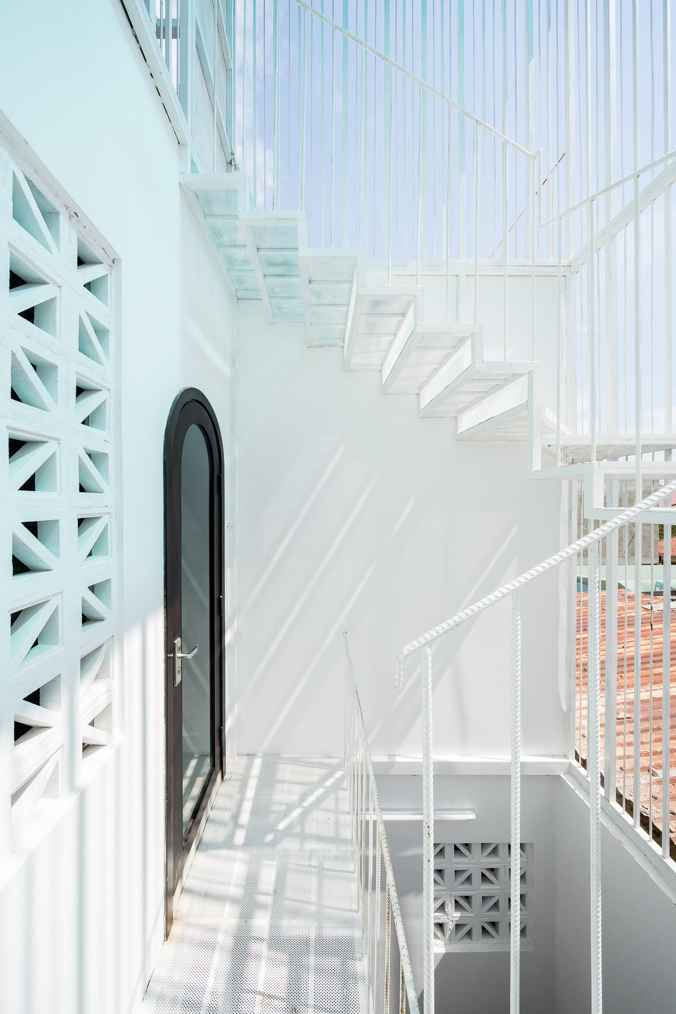 Ngôi nhà gạch 2 tầng của cặp vợ chồng già ở Đà Nẵng được tạp chí Mỹ xuýt xoa khen ngợi - Ảnh 18.