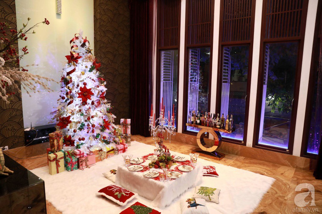 Ngắm biệt thự triệu đô của Đàm Vĩnh Hưng được trang trí đẹp lung linh đón Noel về - Ảnh 10.