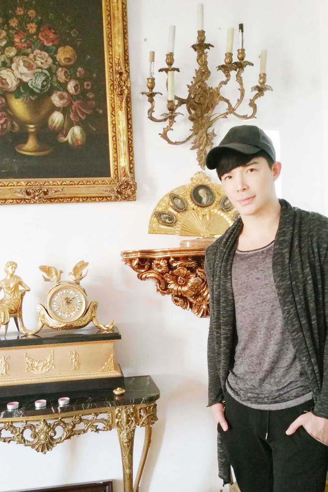 Chiêm ngưỡng ngôi nhà dát vàng triệu đô của nam ca sĩ Nathan Lee ở Hà Nội - Ảnh 2.