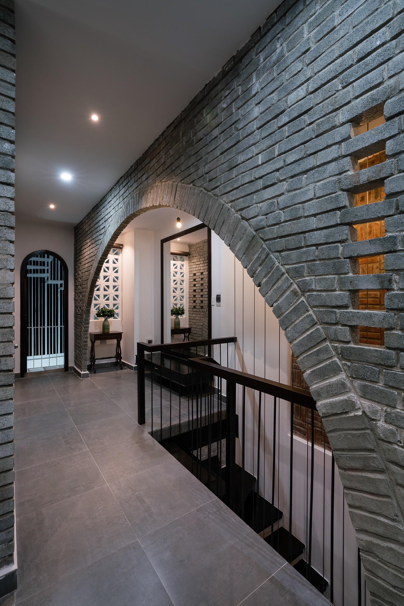 Ngôi nhà gạch 2 tầng của cặp vợ chồng già ở Đà Nẵng được tạp chí Mỹ xuýt xoa khen ngợi - Ảnh 13.