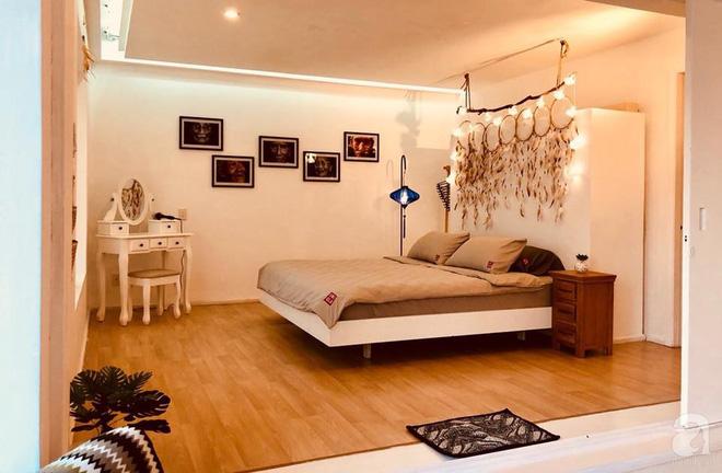 Ở giữa Quận 1 Sài Gòn có căn hộ mang phong cách vintage cực ấm cúng của cặp đôi vợ Việt chồng Tây - Ảnh 16.
