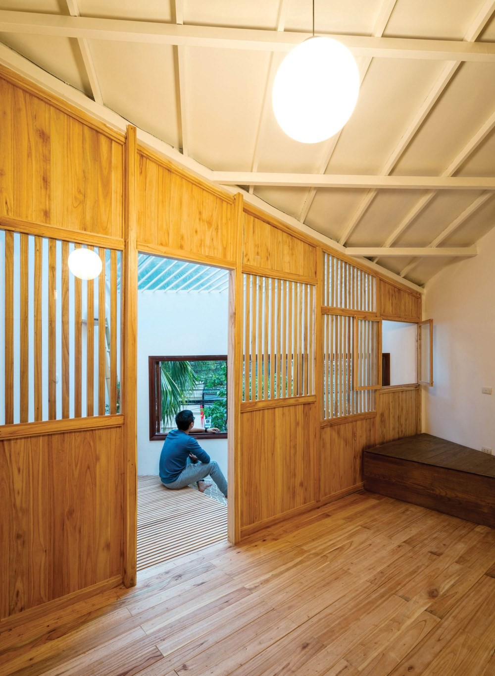 Ngôi nhà 30m² ở Tây Hồ, Hà Nội cho thấy: Khi hiện đại gặp xưa cũ sẽ tạo nên điều vô cùng kì diệu - Ảnh 10.