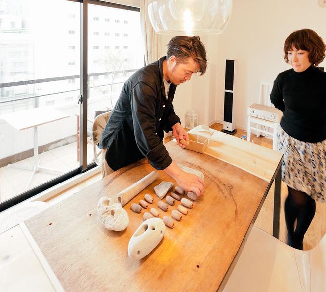 Căn hộ tối giản ngập tràn ánh sáng tự nhiên của cặp vợ chồng trẻ đam mê nấu nướng ở Nhật - Ảnh 10.