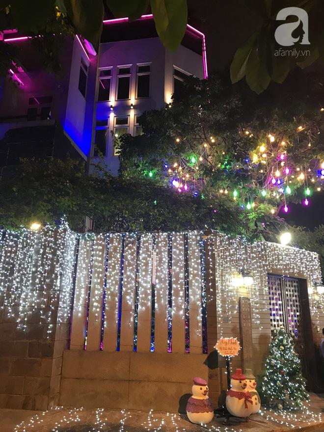 Ngắm biệt thự triệu đô của Đàm Vĩnh Hưng được trang trí đẹp lung linh đón Noel về - Ảnh 1.
