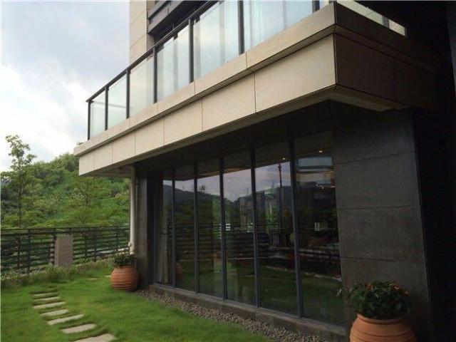 Choáng ngợp với biệt thự thiết kế theo phong cách châu Âu của Lý Thần và Phạm Băng Băng - Ảnh 4.