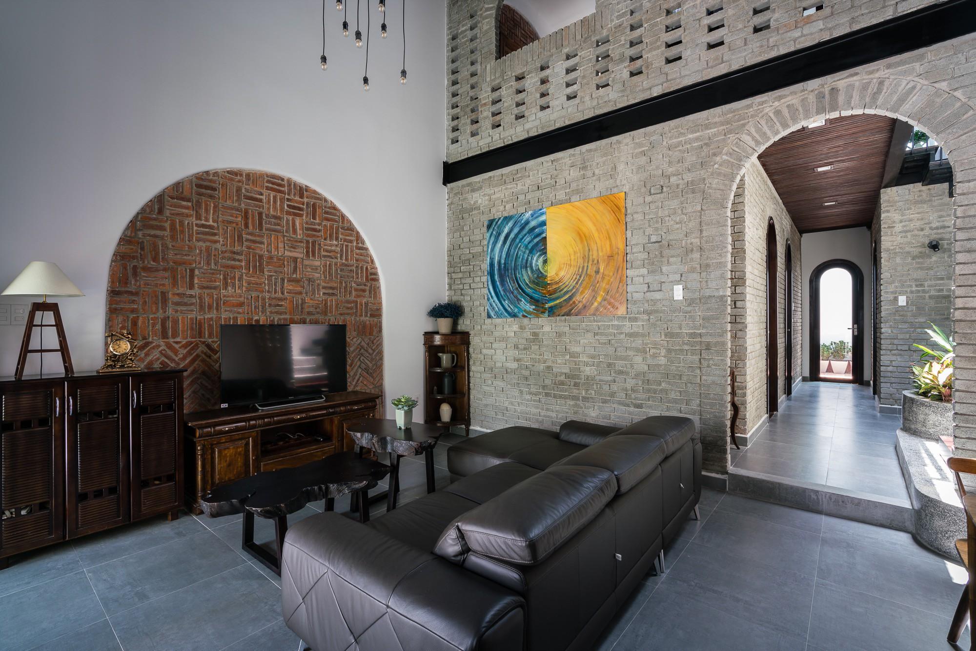 Ngôi nhà gạch 2 tầng của cặp vợ chồng già ở Đà Nẵng được tạp chí Mỹ xuýt xoa khen ngợi - Ảnh 7.