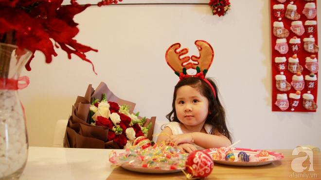 Căn hộ được trang trí Noel đẹp lung linh, món quà của người mẹ tặng con gái ở Q7, Sài Gòn - Ảnh 22.