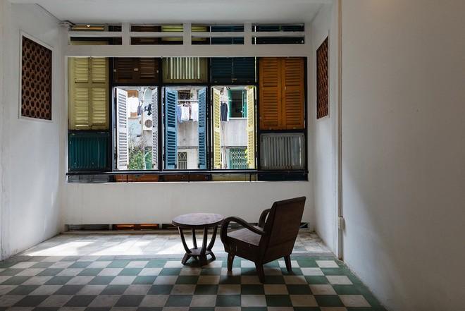 Ngôi nhà ống hơn 50 năm dầm mưa dãi nắng nay lột xác đẹp đến ngỡ ngàng ở quận 3, Sài Gòn - Ảnh 8.